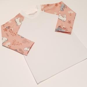 Valged ja hallid jänesed roosal pikkade varrukatega pluus 56 cm