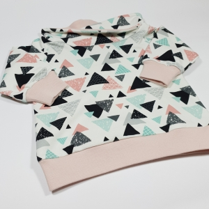 Roosade kolmnurkadega kraega pusa