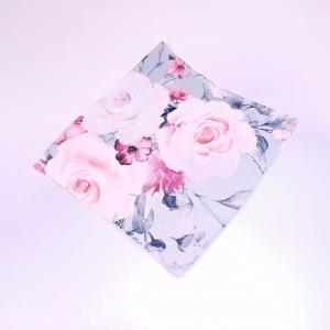 Roosad roosid hallil ühekordne torusall
