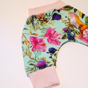 Linnud ja lilled mündil soonikuga püksid
