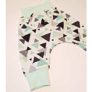 Kolmnurgad soonikuga püksid