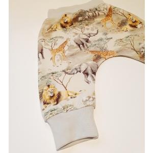 Savanni loomad soonikuga püksid