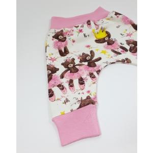 Mõmmibaleriinid soonikutega püksid