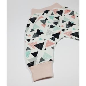 Roosade kolmnurkadega soonikuga püksid